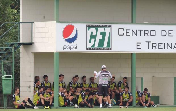 Adilson Batista figueirense treino grupo cft cambirela (Foto: Renan Koerich)