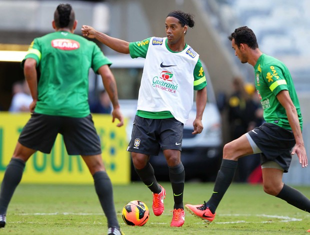 Ronaldinho Seleção treino (Foto: Wagner Carmo / VIPCOMM)