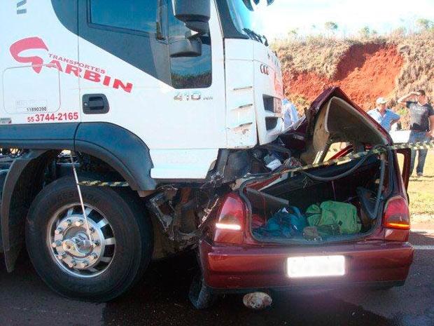 Acidente causou morte do condutor do Gol em Palmeira das Missões, RS (Foto: Divulgação/PRF)