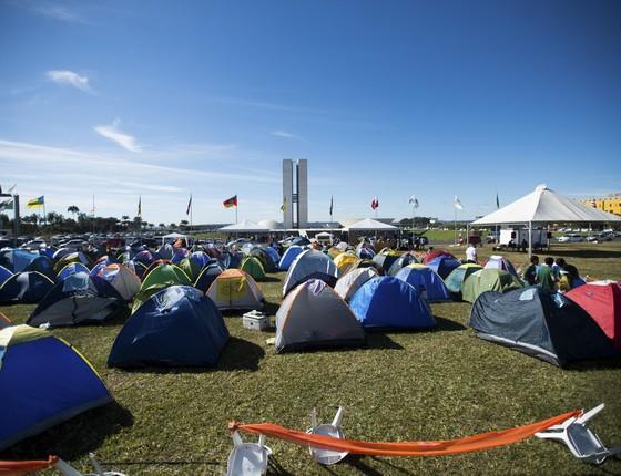 Estudantes acamparam na esplanada dos Ministérios para protestar contra a PEC da maioridade penal (Foto: Marcelo Camargo/Agência Brasil)