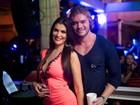 Thor Batista curte a noite carioca com a namorada