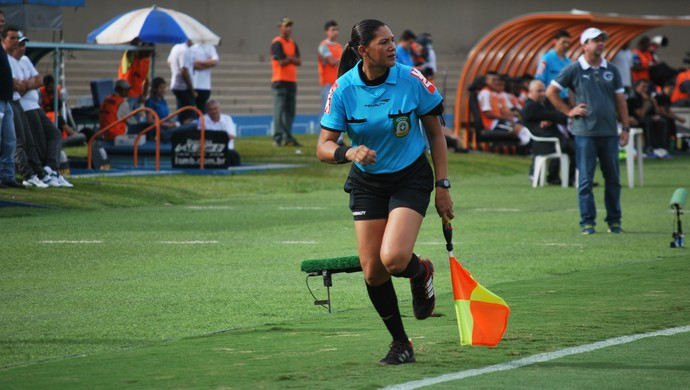 Márcia Bezerra atua no futebol pela CBF (Foto: Márcia Bezerra/Arquivo Pessoal)