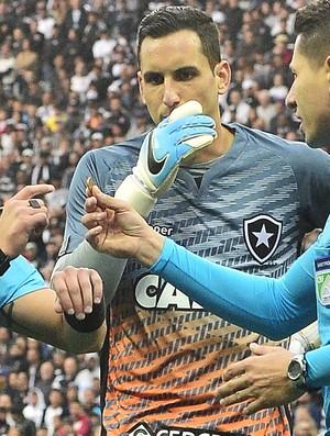 Gatito Fernandez Corinthians x Botafogo (Foto: Marcos Ribolli)