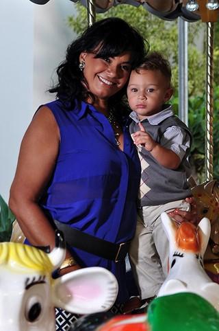 Solange Couto e seu filho (Foto: Roberto Teixeira/ EGO)