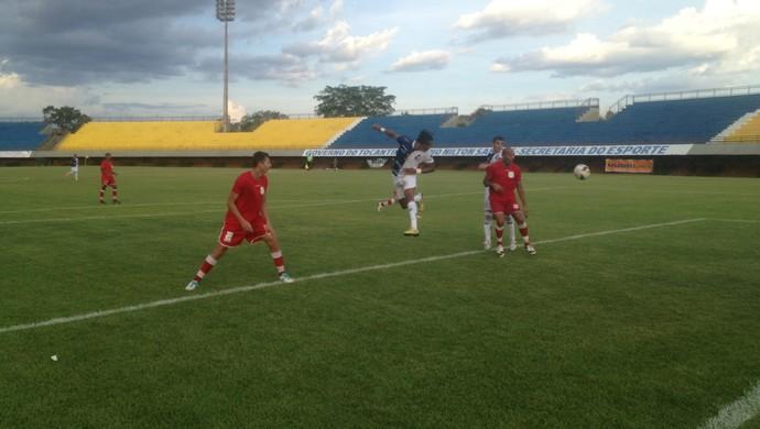 Ricanato venceu o Colinas no estádio Nilton Santos, em Palmas (Foto: Marcos Martins/GloboEsporte.com)