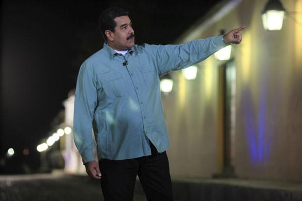 O presidente da Venezuela, Nicolas Maduro, fala durante seu programa de TV nesta terça-feira (31) (Foto: Miraflores Palace/Reuters)
