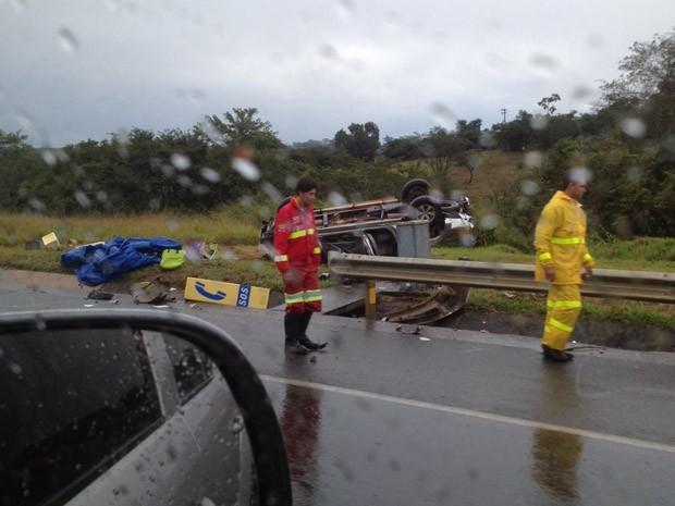 Leitor registrou carro de Celso Giglio após o acidente (Foto: Mario Dias Ribeiro Junior/VC no G1)