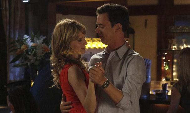 Jack se consola nos braços de Liz (Foto: Divulgação / Twentieth Century Fox)