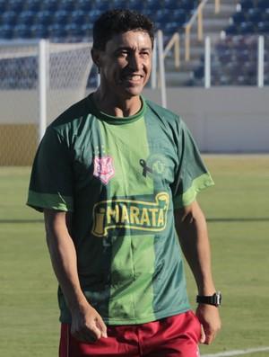 Betinho, técnico do Sergipe (Foto: Osmar Rios / GloboEsporte.com)