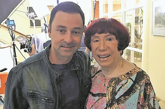 Emilio Orciollo Netto e Berta Loran nos bastidores de Jovens Polacas' (Foto: Divulgação)