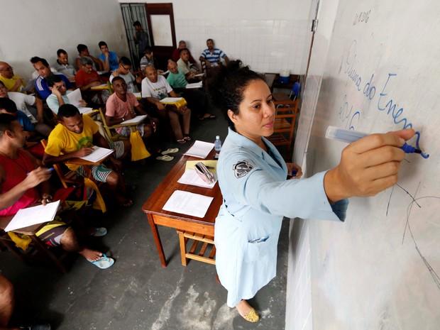 Detentos assistem aula preparatória e mais de mil vão fazer Enem, em 2016. (Foto: Divulgação/Susipe)