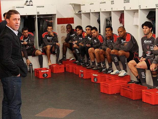 Rospide já trabalha com o grupo de jogadores (Foto: Carlos Insaurriaga / G.E. Brasil de Pelotas)