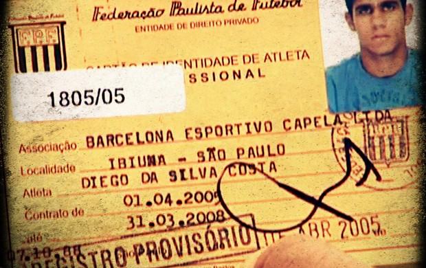 Carteirinha de Diego Costa como jogador do Barcelona de Capela (Foto: Reprodução SporTV)