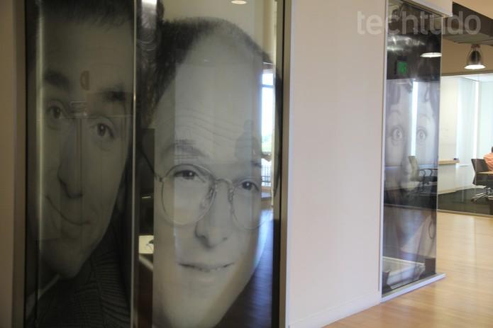 Sala de reunião inspirada no seriado 'Seinfeld' (Foto: Isadora Díaz/TechTudo)