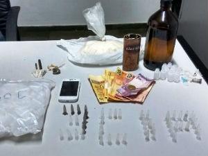 Nove homens foram presos em Descalvado suspeitos de tráfico de drogas (Foto: Mário Luiz Zambelli/descalvadonews.com.br)