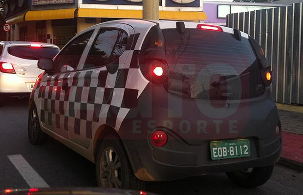 Novo Chery QQ é flagrado por leitor em Jacareí (SP) (Foto: Alexandre Bazetto/Autoesporte)