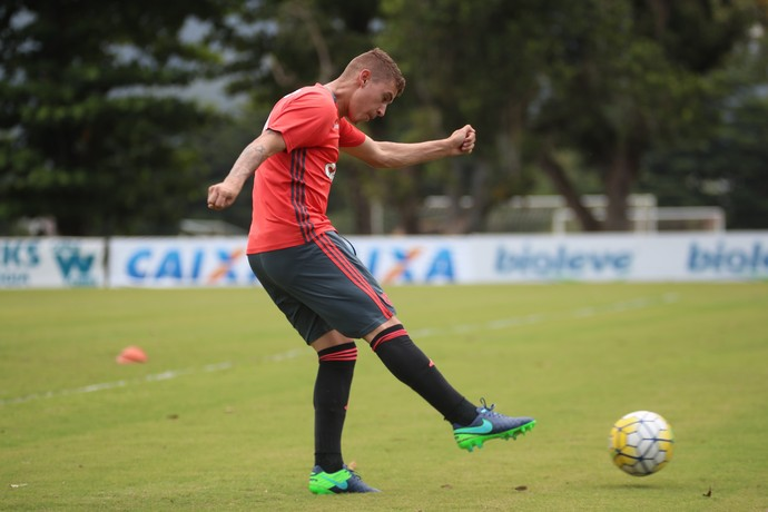 Matheus Sávio treino Flamengo (Foto: Gilvan de Souza/Flamengo)