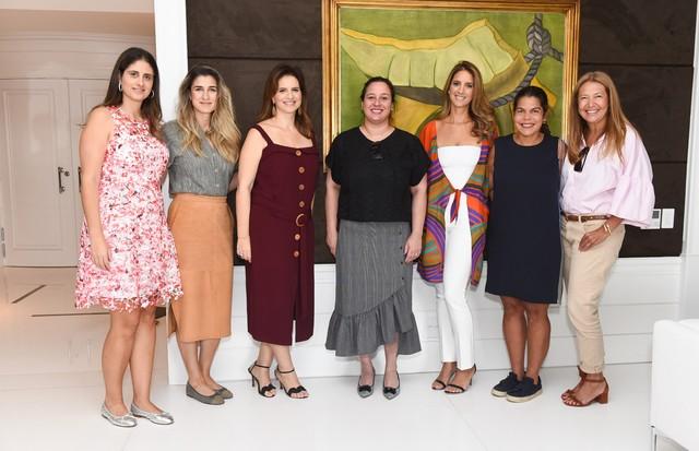 Daniela Chammah, Barbara Migliori, Karen Sarfaty, Silvia Rogar, Sandra Chayo. Daniela Falcão e Donata Meireilles (Foto: Lu Prezia)