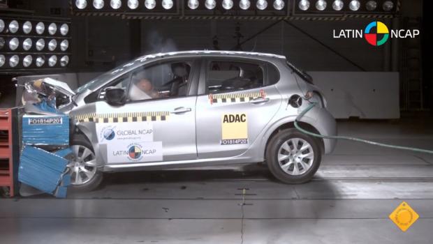 Crash test do Peugeot 308 (Foto: Reprodução)