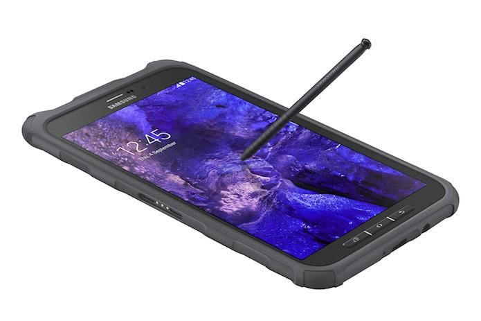 Galaxy Tab Active vem com a caneta C-Pen, uma variante da S Pen (Foto: Divulgação/Samsung)