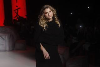 Sasha Meneghel desfilando (Foto: Celso Tavares / EGO)