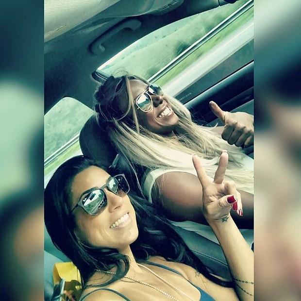 Juliana Dias e Adélia (Foto: Reprodução / Instagram)