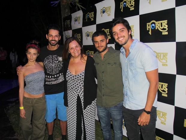 Julia Oristanio, Felippe Luhan, Bia Oliveira, Felipe Simas e Rodrigo Simas em evento na Zona Oeste do Rio (Foto: Rogerio Fidalgo/ Ag. News)