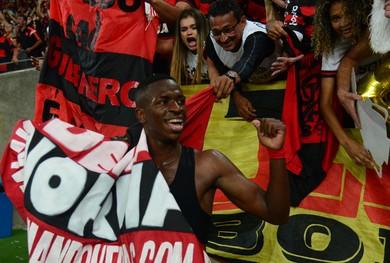Flamengo x Botafogo Vinicius Junior torcida (Foto: André Durão / GloboEsporte.com)