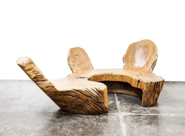 Banco Yba, uma das peças presentes na exposição Hugo França: Escalas em Contraste (Foto: Divulgação)