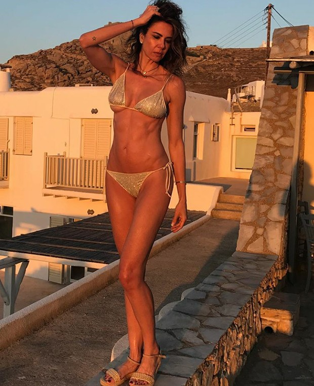 Luciana Gimenez mostra boa forma em pose de biquíni (Foto: Reprodução/ Instagram)