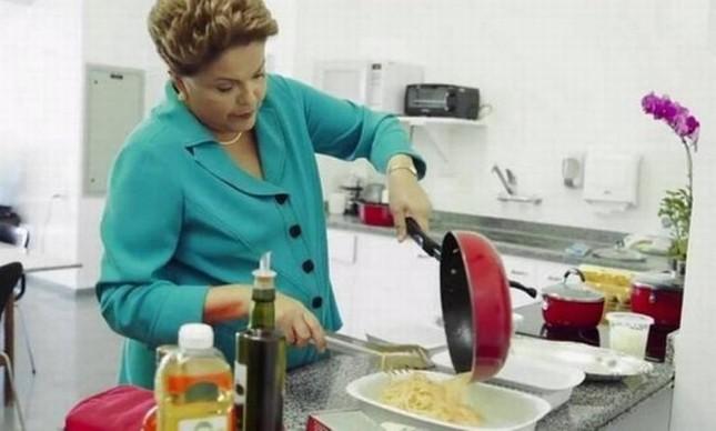Presidente Dilma Rousseff em seu programa eleitoral na TV  (Foto: Reprodução / YouTube)