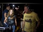 Susana Vieira prestigia balada em que o filho toca como DJ