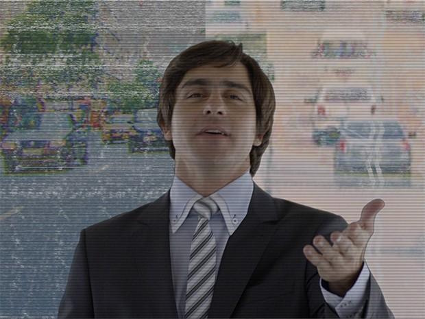 Ernesto posando em cenário hightech (Foto: Viril e Viral)
