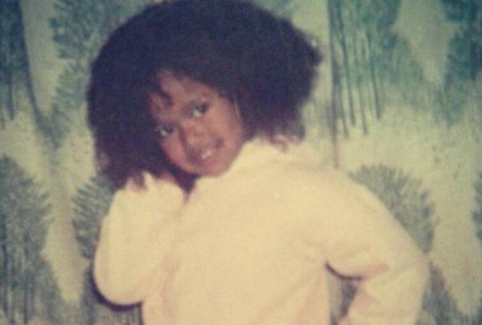Desde criança, Brennda desfilava no carnaval e gostava de dançar nas festas de família (Foto: Arquivo Pessoal)