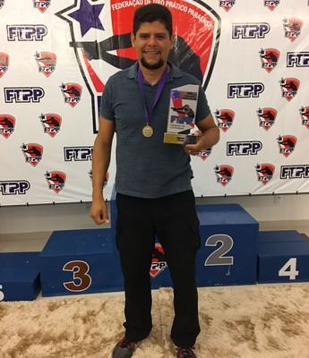 Alessandro Nascimento sagrou-se campeão paraense de tiro (Foto: Alessandro Nascimento/Arquivo pessoal)