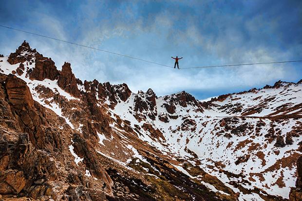 Refúgio Frey Os números em  Bariloche: 88 m de distância, 120 m  de altura e 1.700 m  de altitude. Encara? (Foto: Divulgação)