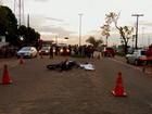 Militar do Exército morre esmagado ao chocar-se contra caminhão na JK