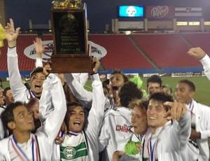 Jogadores do Coritiba comemoram conquista da Dallas Cup (Foto: Divulgação/Site oficial do Coritiba)