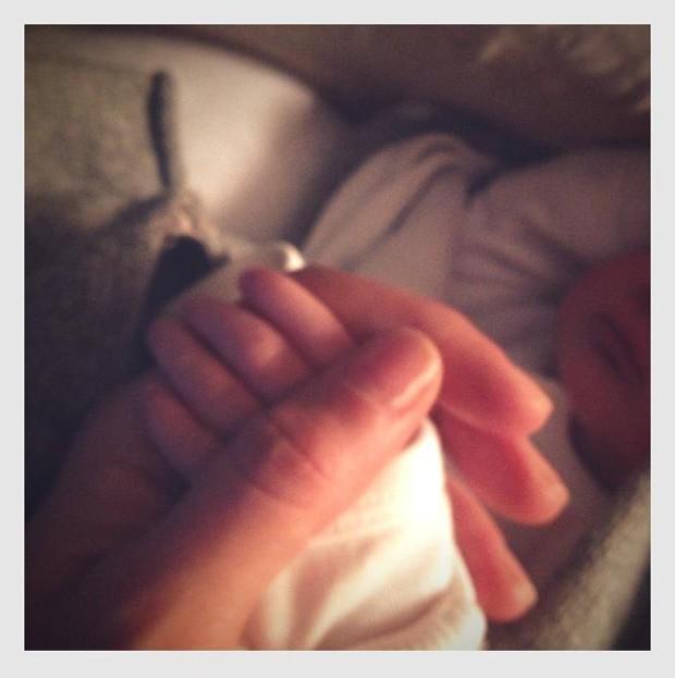 Nasce a pequena Vivian Lake Brady, filha de Gisele Bündchen e Tom Brady (Foto: Reprodução)