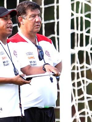 Joel Santana no treino do Flamengo (Foto: André Portugal / Vipcomm)