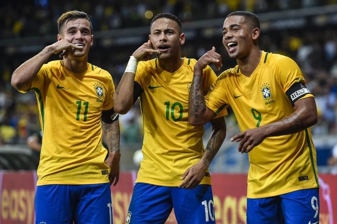 Philippe COutinho Neymar Gabriel Jesus Brasil x Argentina (Foto: AFP)