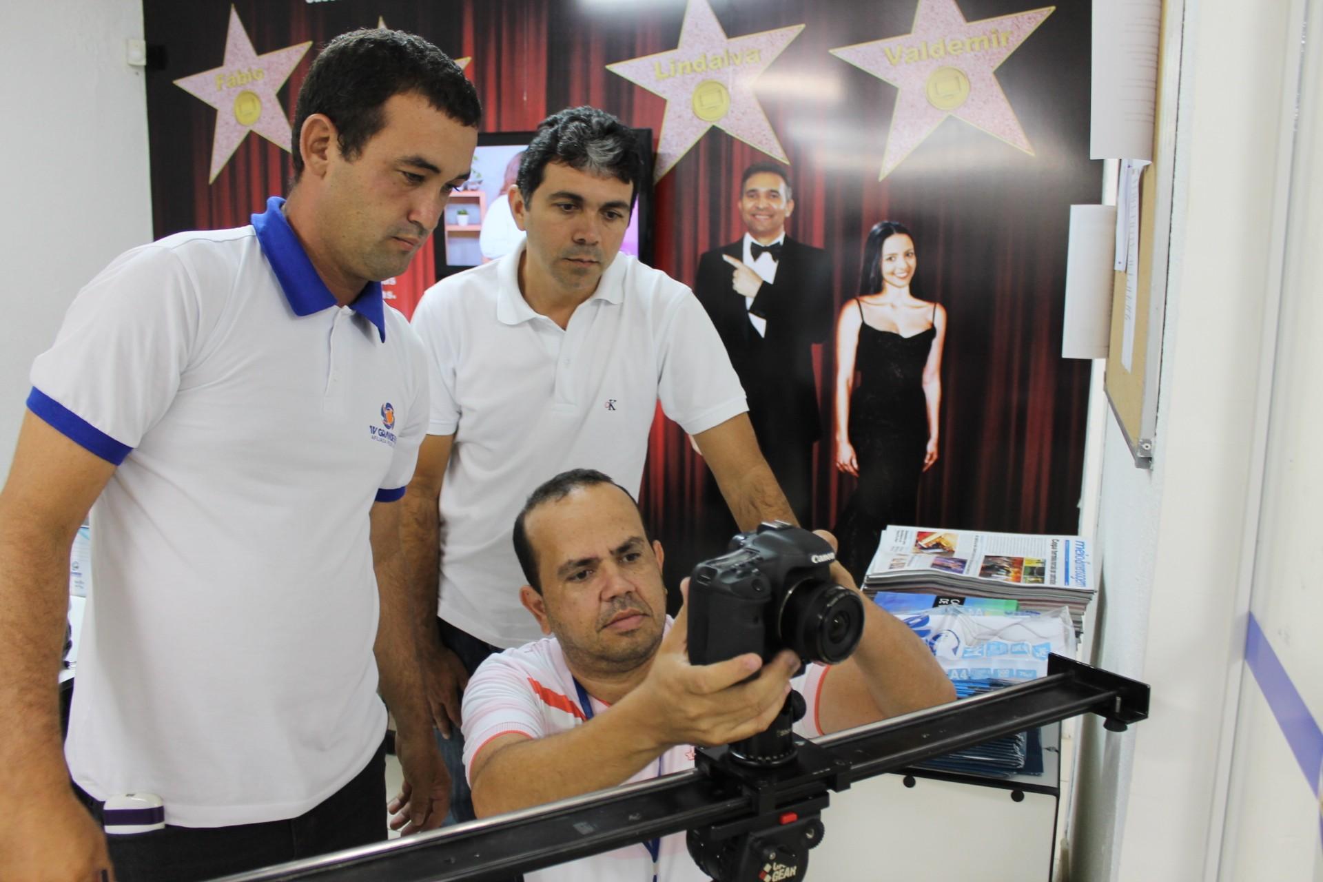 Equipe dá início às gravações do 'Boas Festas' (Foto: Gabriela Canário)