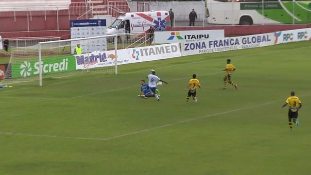 <p>  Luccas Brasil amplia para o time da casa.&nbsp;</p>