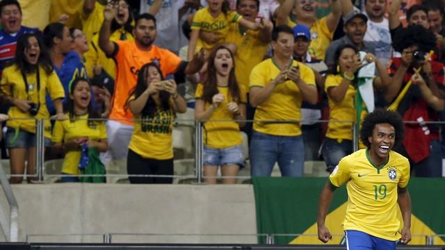 Rei Willian resolve, acalma o Castelão e Brasil vence a Venezuela por 3 a 1