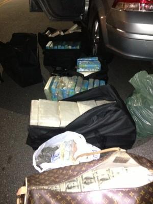 Droga e dinheiro apreendidos estão na PF em Sorocaba, SP (Foto: Divulgação PF)