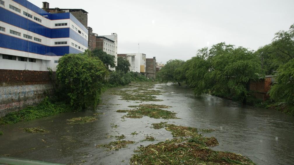 Rio Ipojuca registriou um grande volume de água  (Foto: Alexandre Henrique/Arquivo Pessoal )
