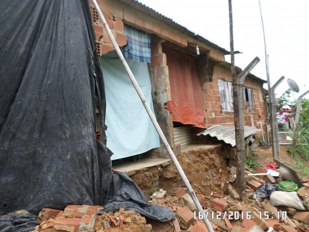 Chuva provocou estragos em Guarapari (Foto: COMPDEC/Guarapari)