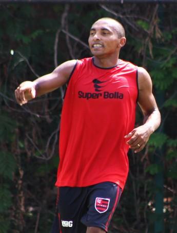 Fabiano, atacante do Flamengo-PI  (Foto: Stephanie Pacheco)