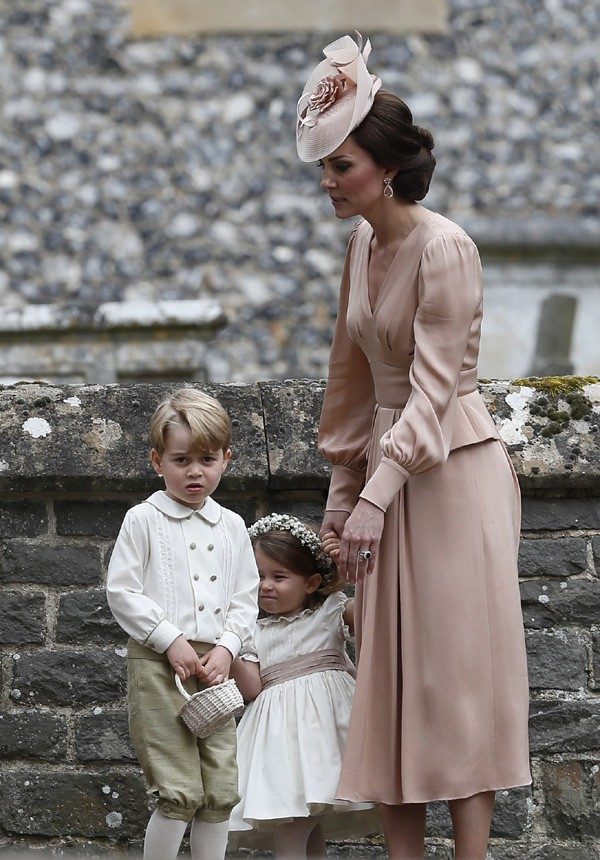 Kate Middleton com os filhos George e Charlotte (Foto: Getty Images)