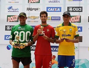 Mão, Jordan e Mauricinho melhores copa das nações de futebol de areia (Foto: Armando Artoni)